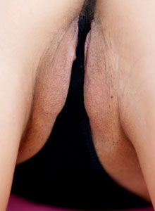 Horny Devine One Darla Has Some Kinky Fun With A Huge Cucumber - Picture 7