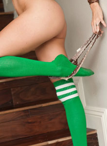 Busty Devine One Jenni Lee Strips Out Of Her Bra And Panties But Keeps Her Green Socks On For You - Picture 10