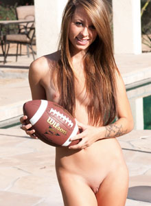 Petite Devine One Riley Jensen Is Playing Around Outside Completely Nude - Picture 10
