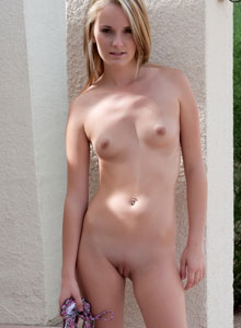 Skinny Blonde Teen Sara James Strips Out Of Her String Bikini Outside By The Pool - Picture 10