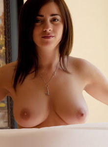 Busty Babe Taylor Vixen Shows Off Her Big Natural Breasts While Just Wrapped Up In A Flag - Picture 11