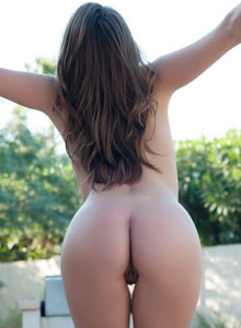 Devine One Tori Black Shows Off Her Perfect Round Ass Outdoors Completely In The Nude - Picture 10