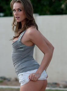 Beautiful Devine Ones Babe Tori Black Flashes Her Perky Tits Outdoors In Public - Picture 10
